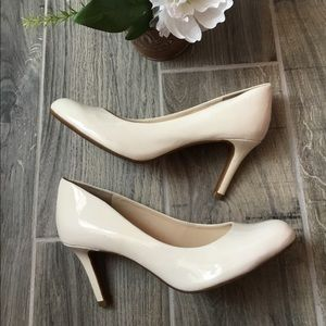 ALEX MARIE Slip On White Patent Leather High Heels